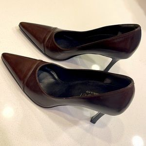 EUC GUCCI Brown Leather Pointy Toe Heels 38.5/8.5